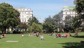 Сравнение уровня жизни Праги и Вены