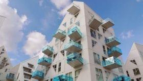 Влияние стиля на фасад здания. Авангард в архитектуре.