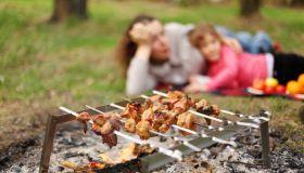 Пришла весна - время пикников, шашлыков и все, что для этого нужно